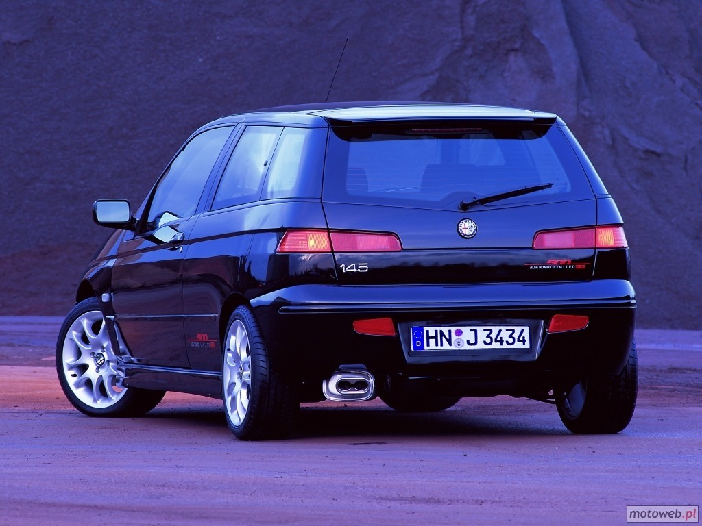 Alfa-Romeo 145 photo 02