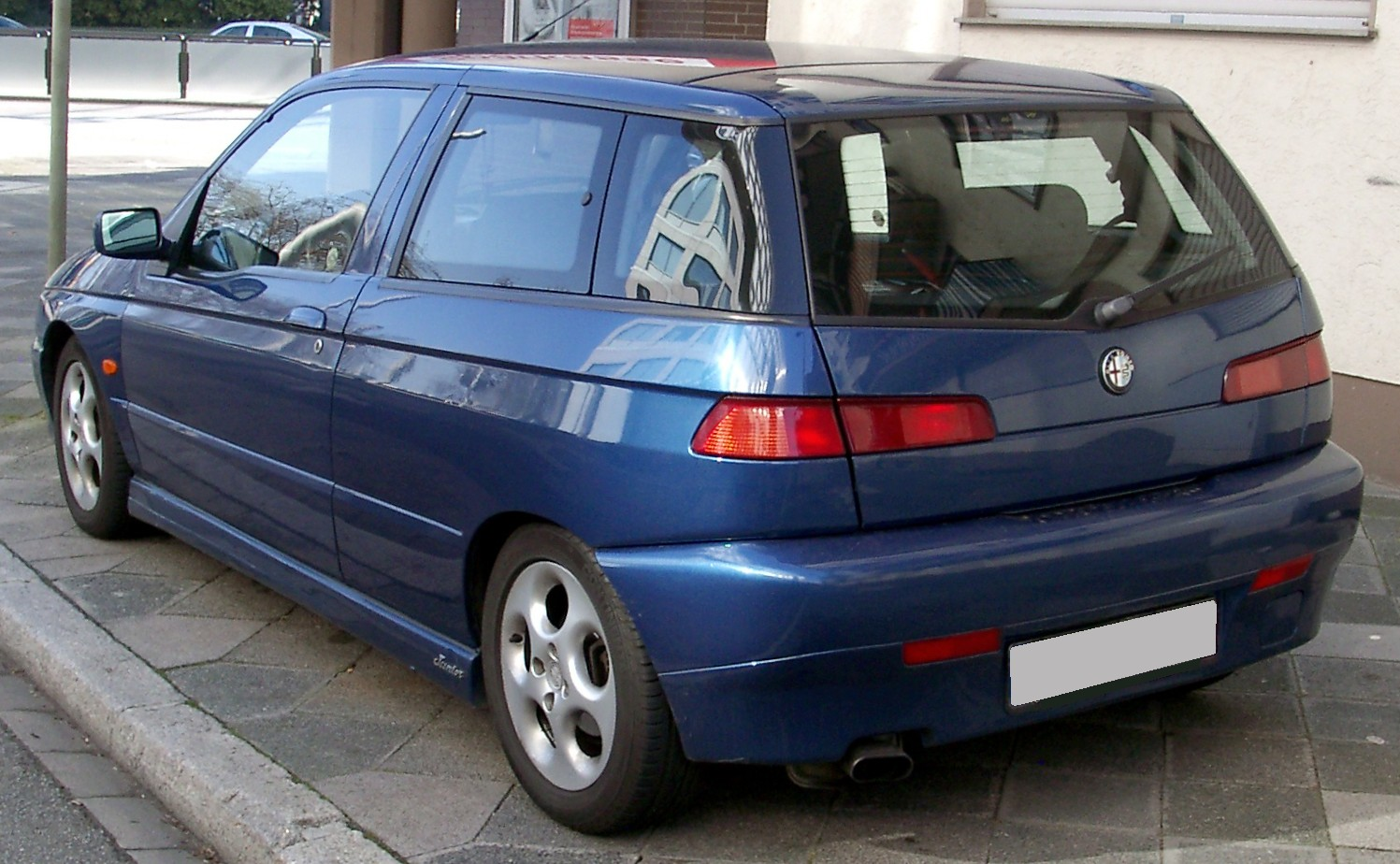 Alfa-Romeo 145 photo 03