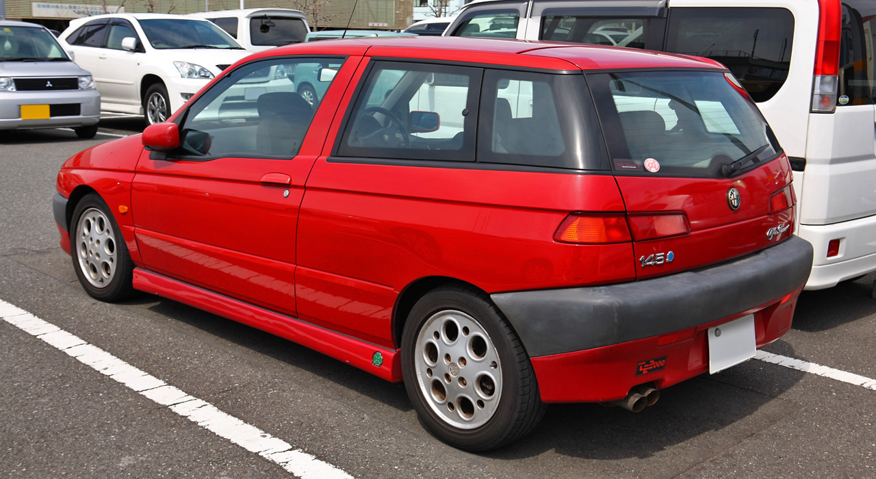 Alfa-Romeo 145 photo 10