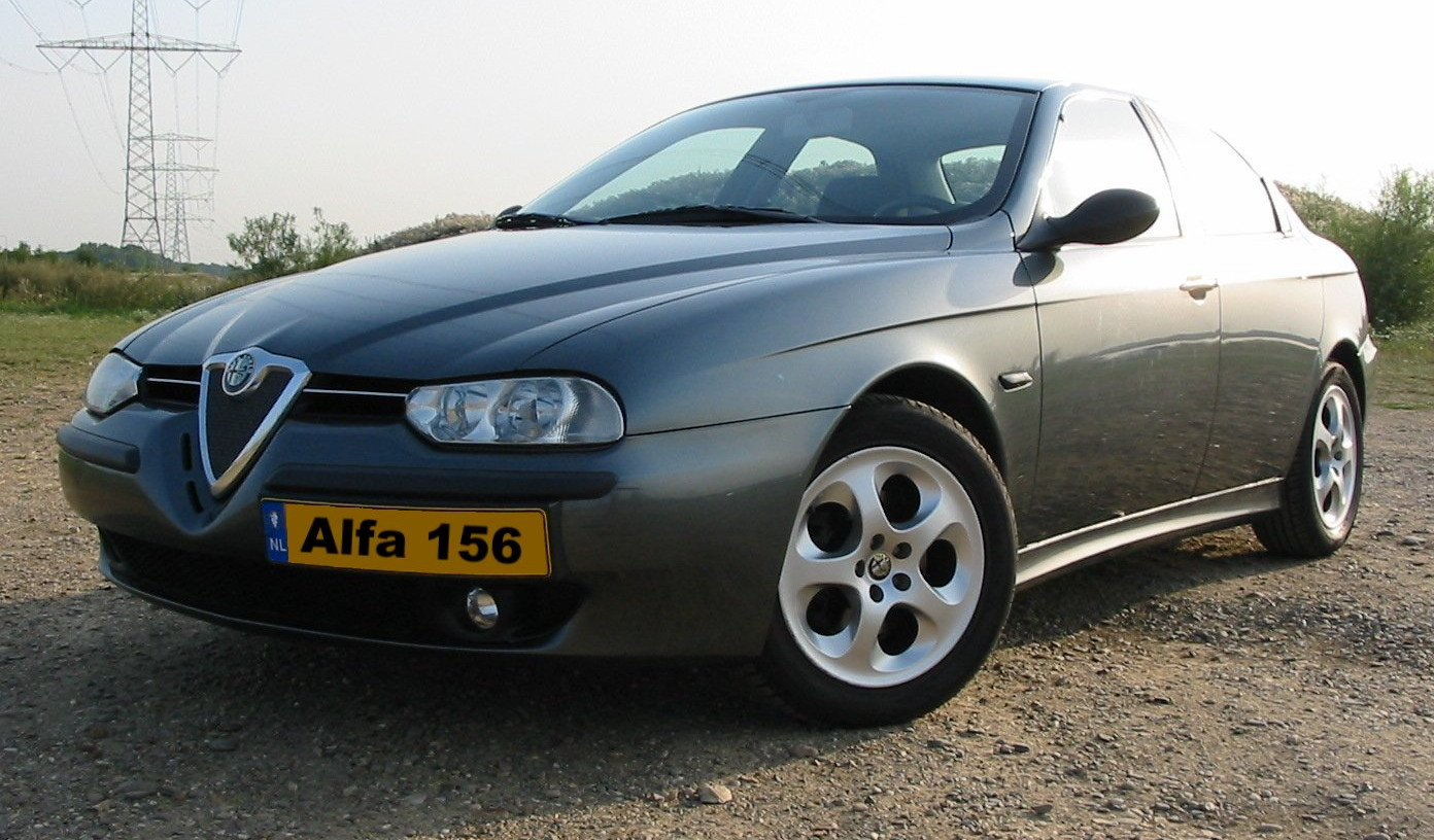Alfa-Romeo 156 photo 04