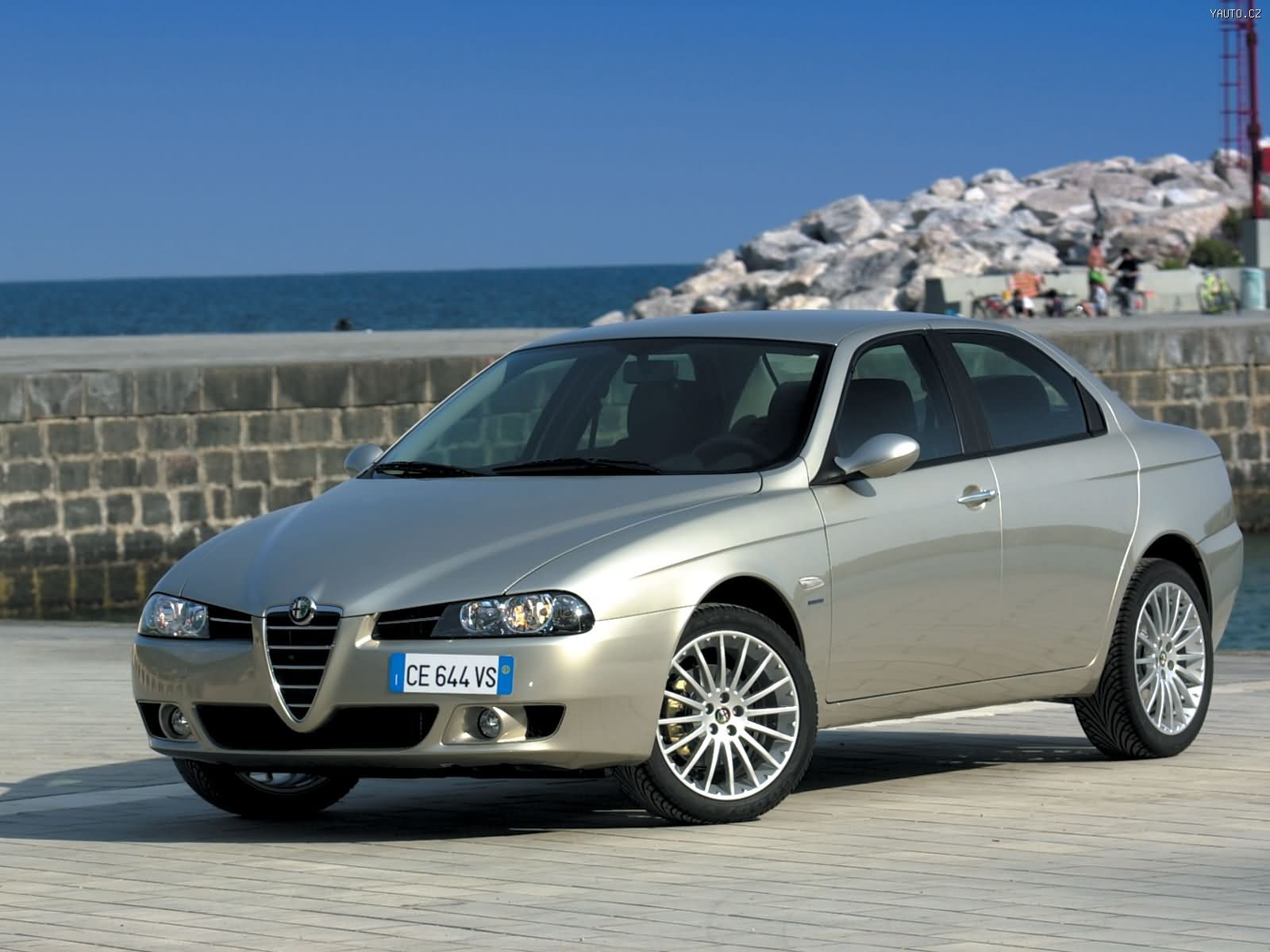Alfa-Romeo 156 photo 07