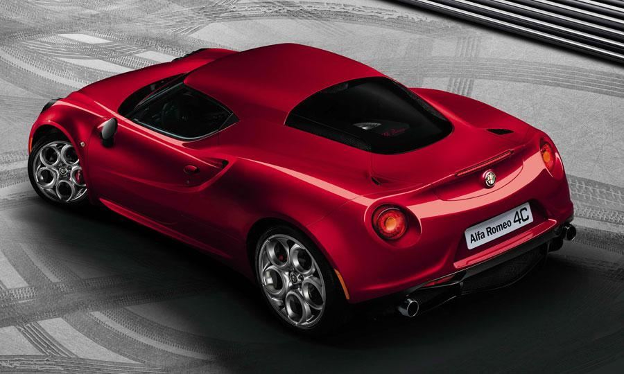 Alfa-Romeo 4C photo 05