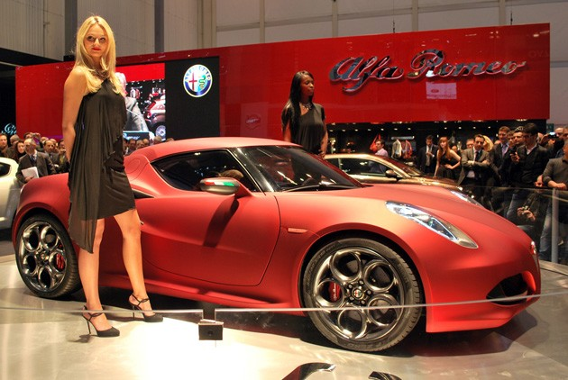 Alfa-Romeo 4C photo 08