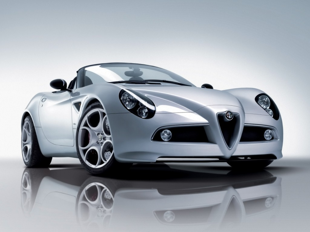 Alfa-Romeo 8C Spider photo 07
