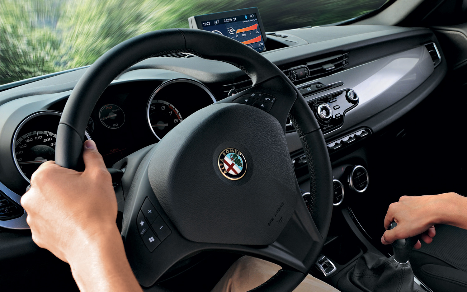 Alfa-Romeo Giulietta TCT photo 01