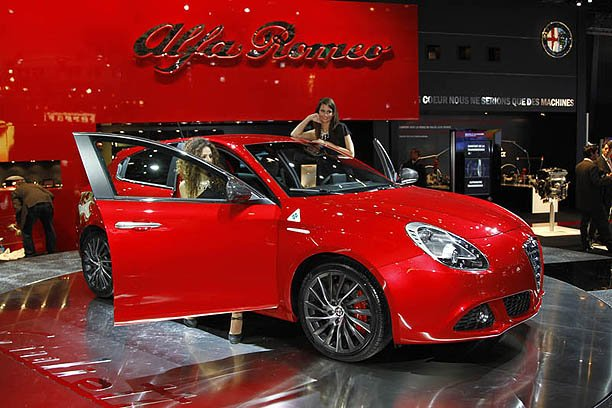 Alfa-Romeo Giulietta TCT photo 11