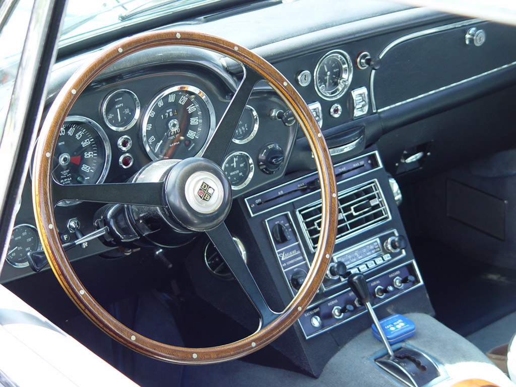 Aston-Martin DB6 photo 03