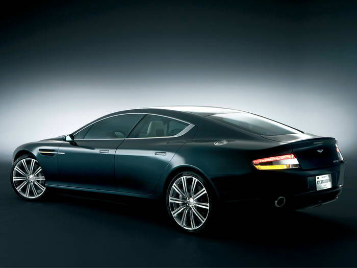 Aston-Martin Rapide photo 06