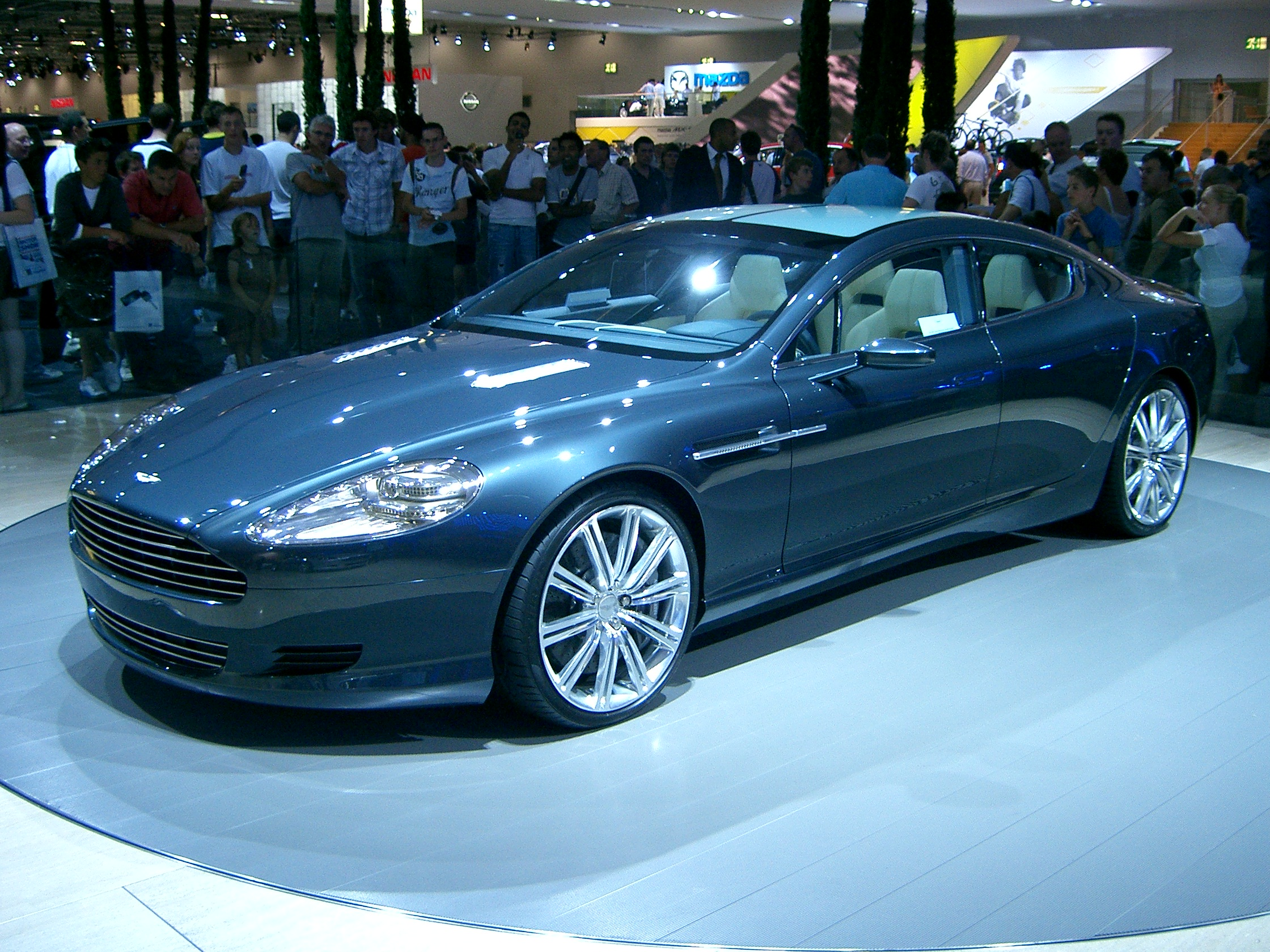 Aston-Martin Rapide photo 16