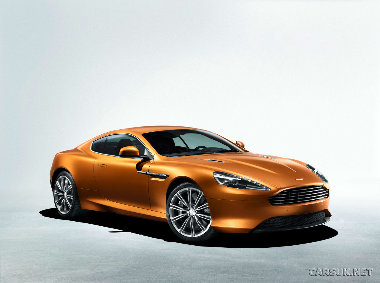 Aston-Martin Virage photo 05