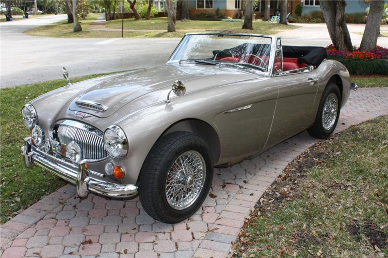 Austin-Healey BJ8 photo 11