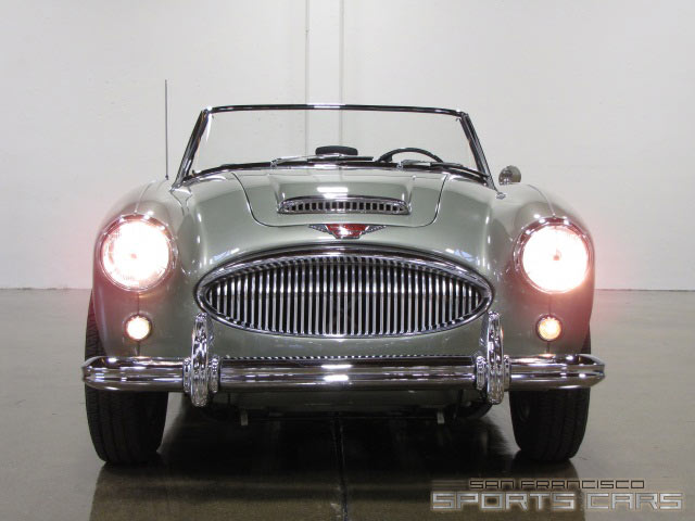 Austin-Healey BJ8 photo 12