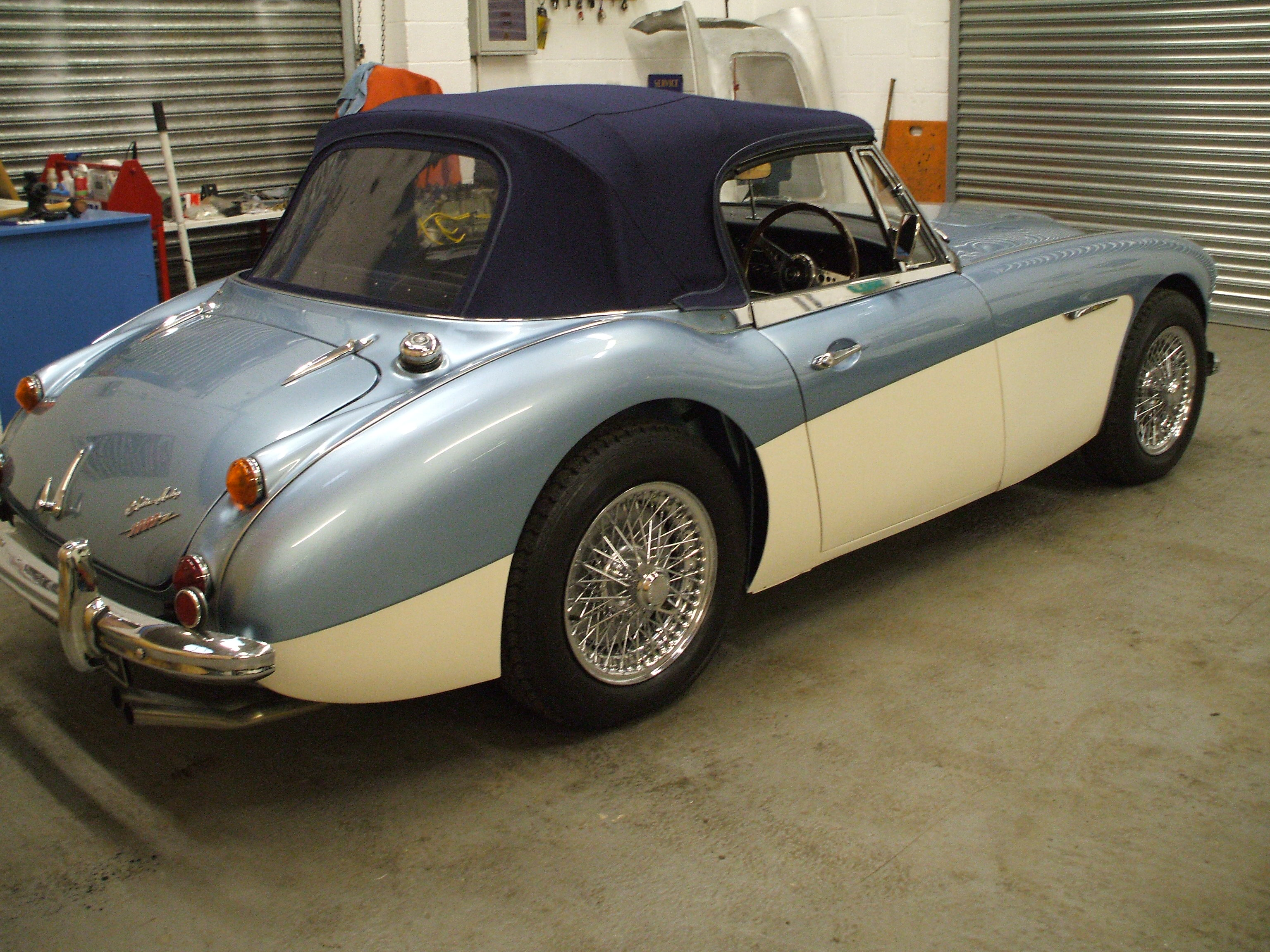 Austin-Healey BJ8 photo 14