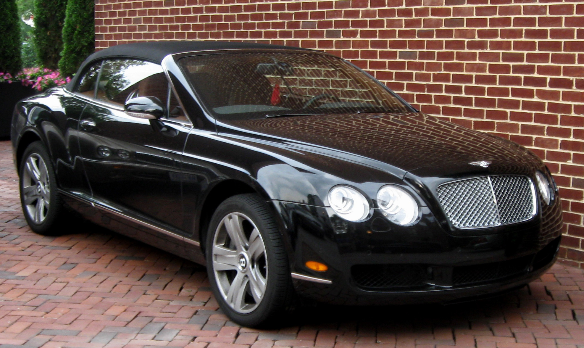 Bentley Continental photo 03