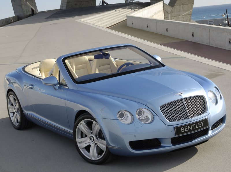 Bentley Continental photo 15