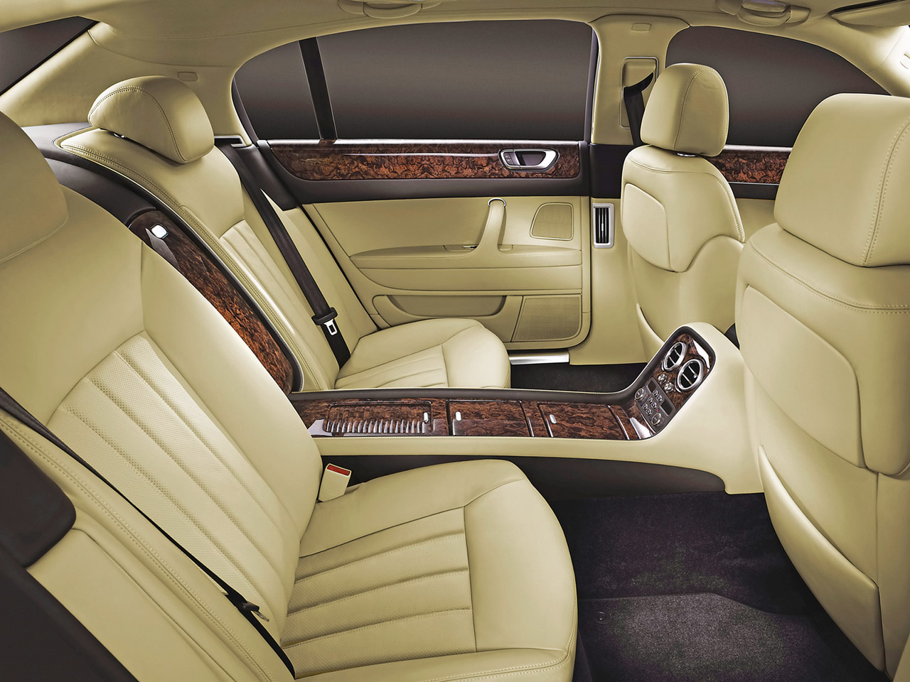 Bentley Continental Flying Spur photo 03