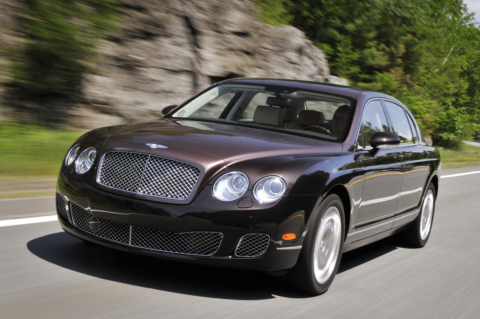 Bentley Continental Flying Spur photo 05