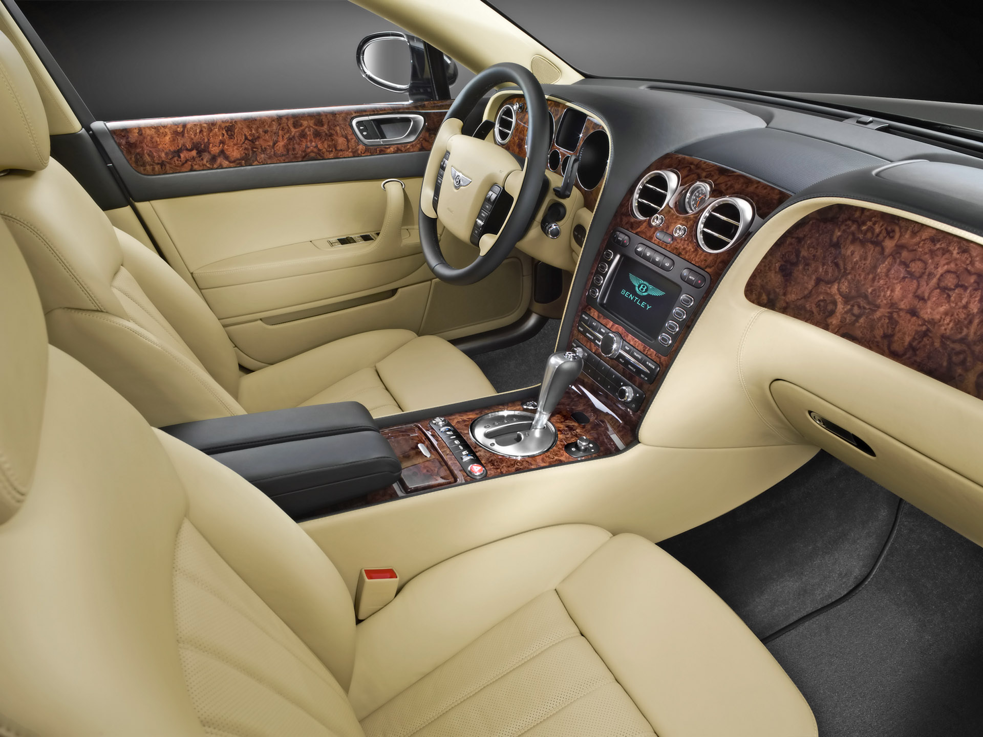 Bentley Continental Flying Spur photo 10