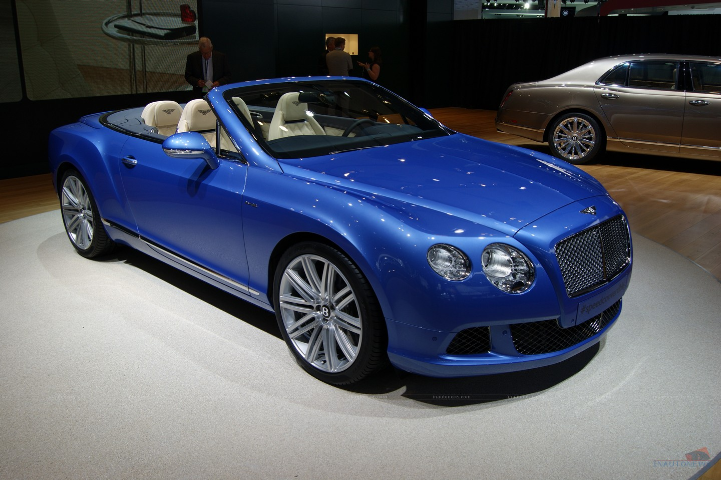 Bentley Continental Speed Cabrio photo 11