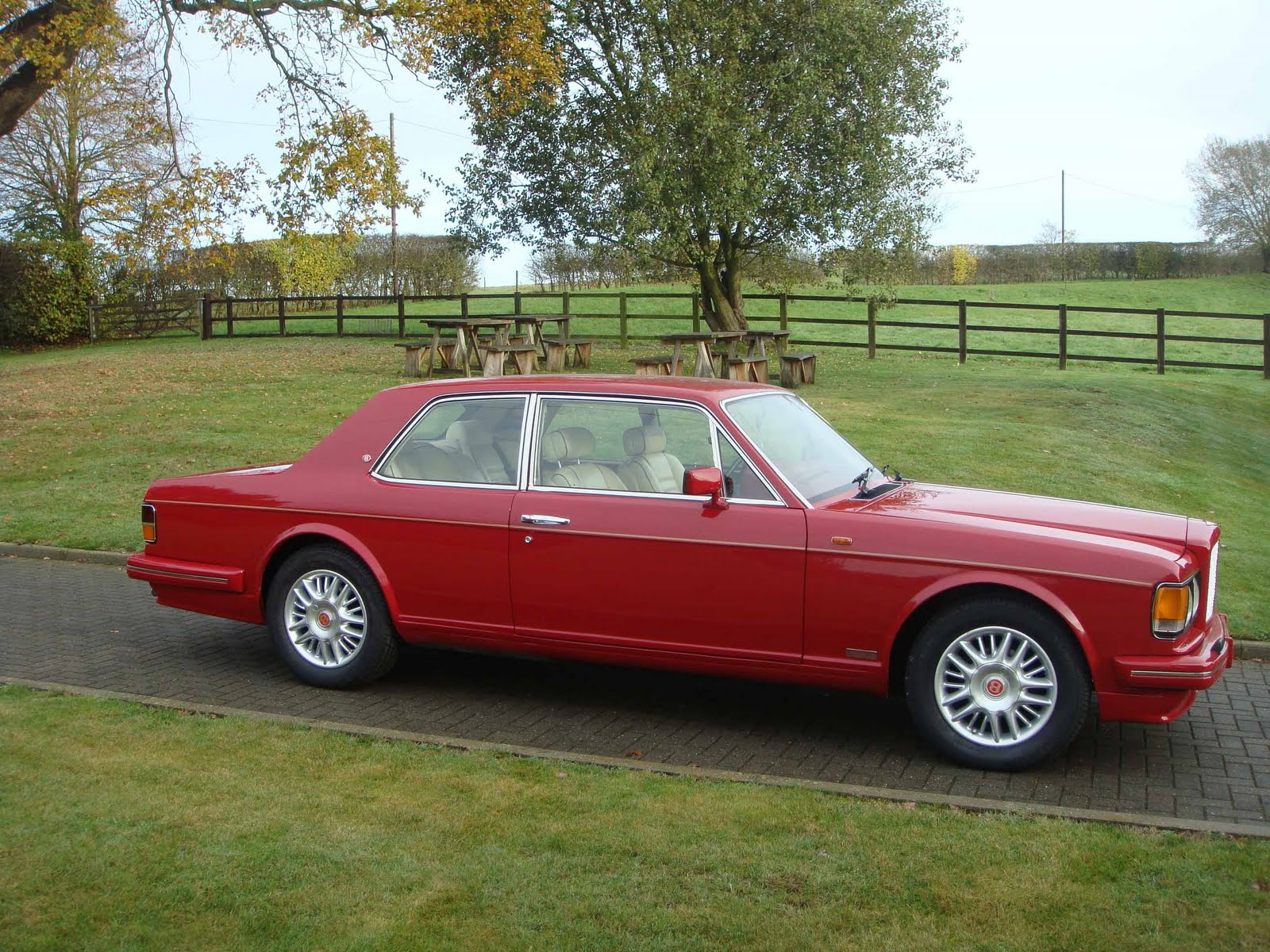 Bentley Turbo R photo 11
