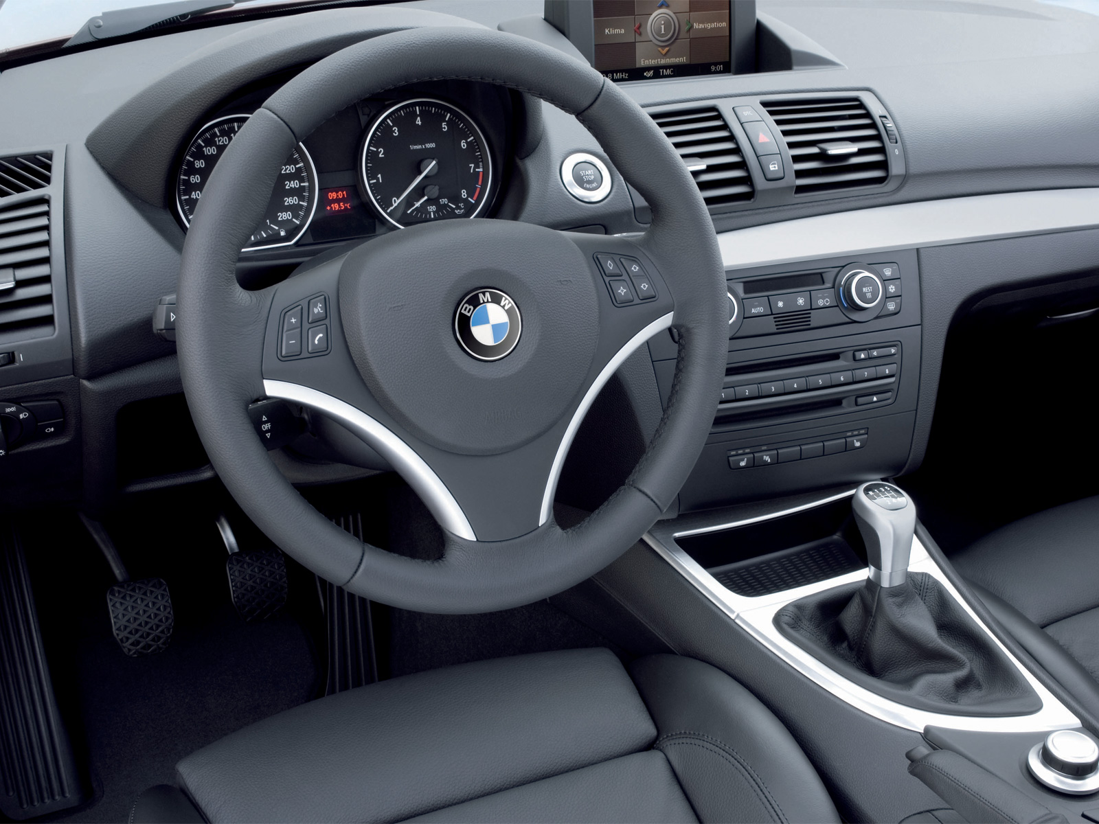 BMW 135i Coupé photo 05