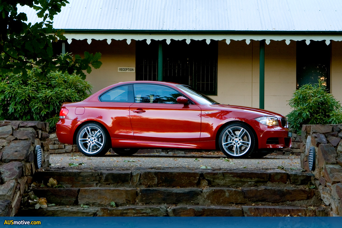 BMW 135i Coupé photo 08