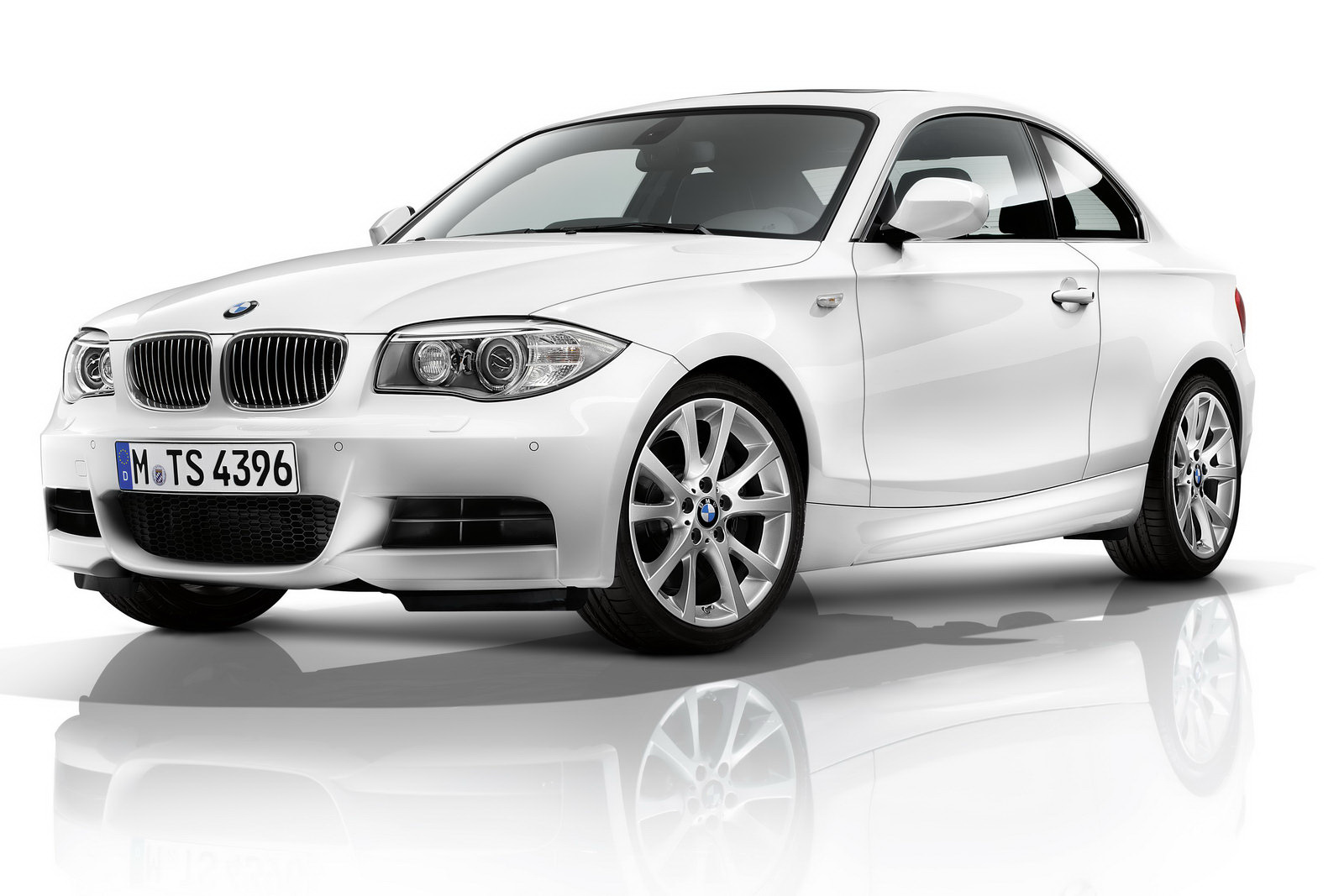 bmw 1er coup photos 13 on better parts ltd. Black Bedroom Furniture Sets. Home Design Ideas
