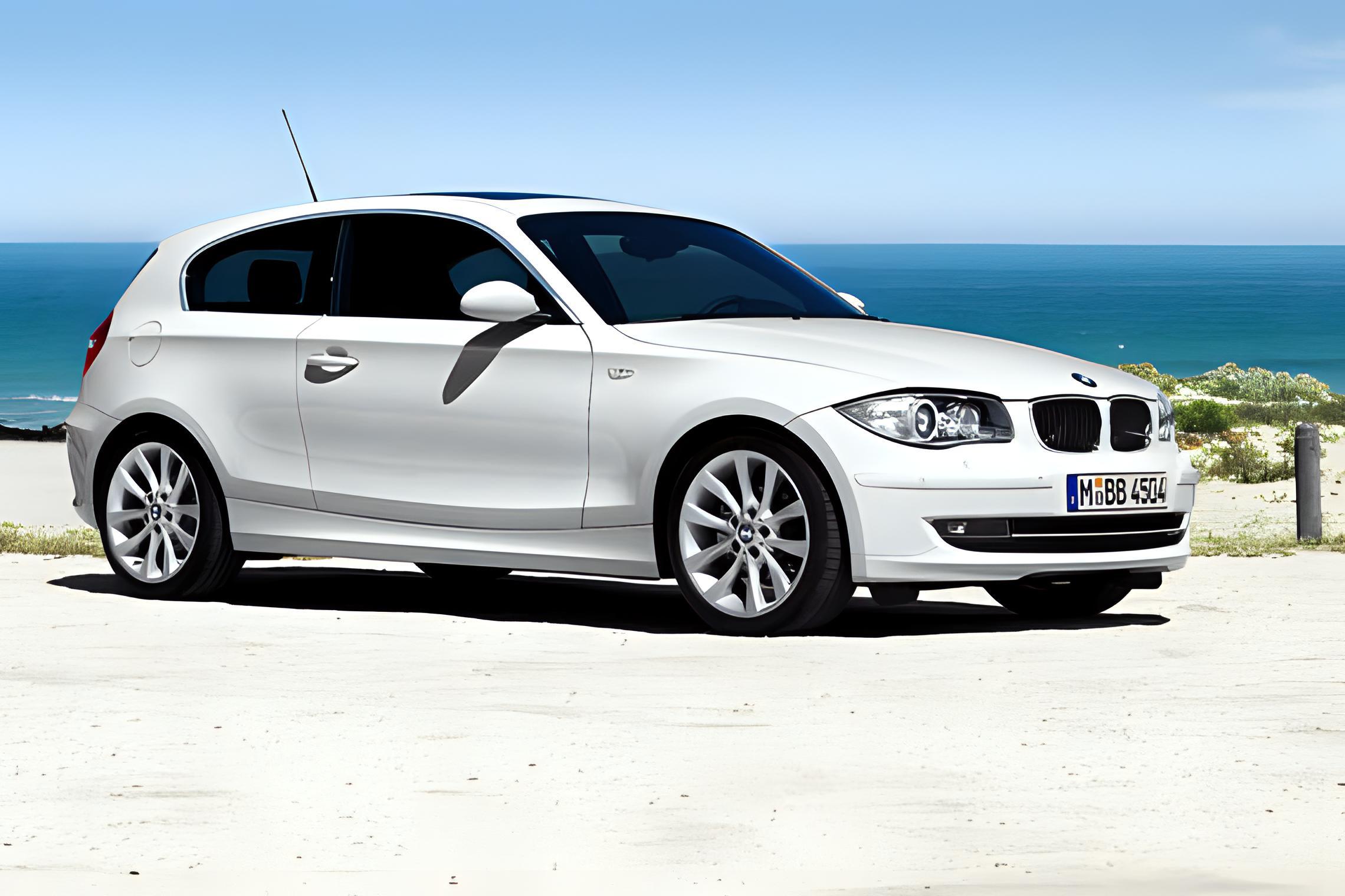 BMW 1er Dreitürer technical details, history, photos on