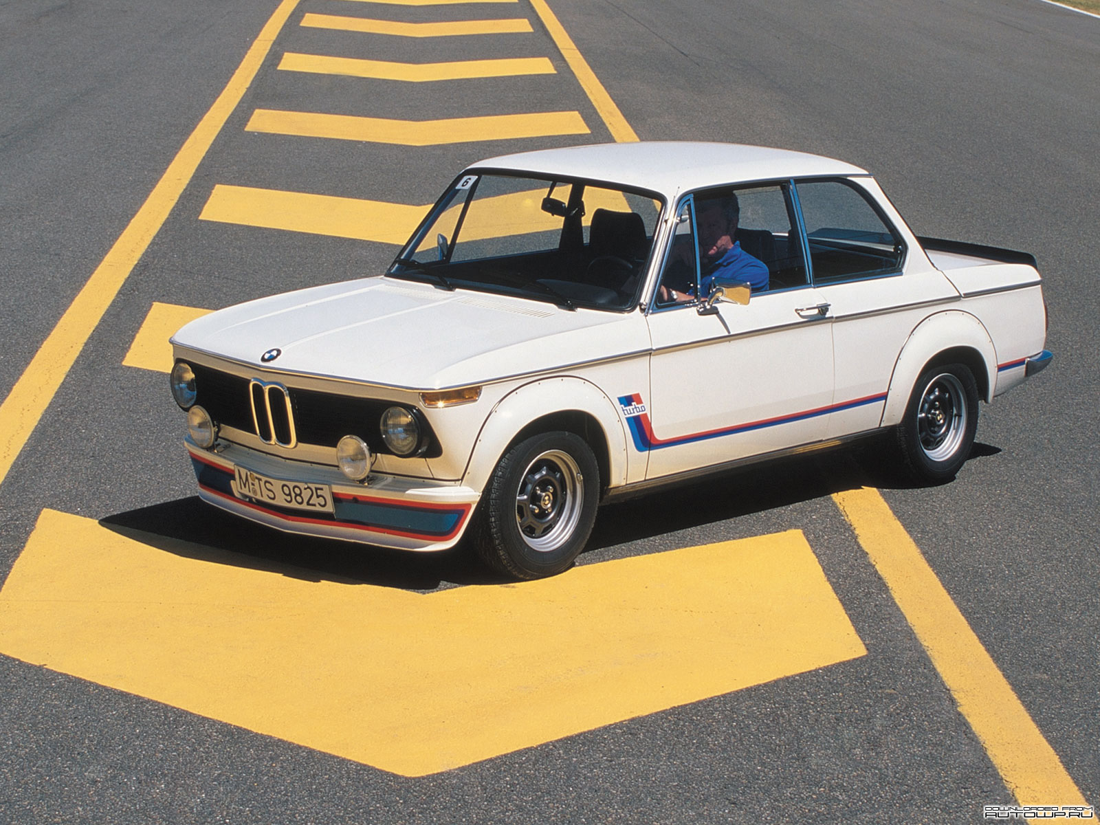 BMW 2002 turbo photo 11