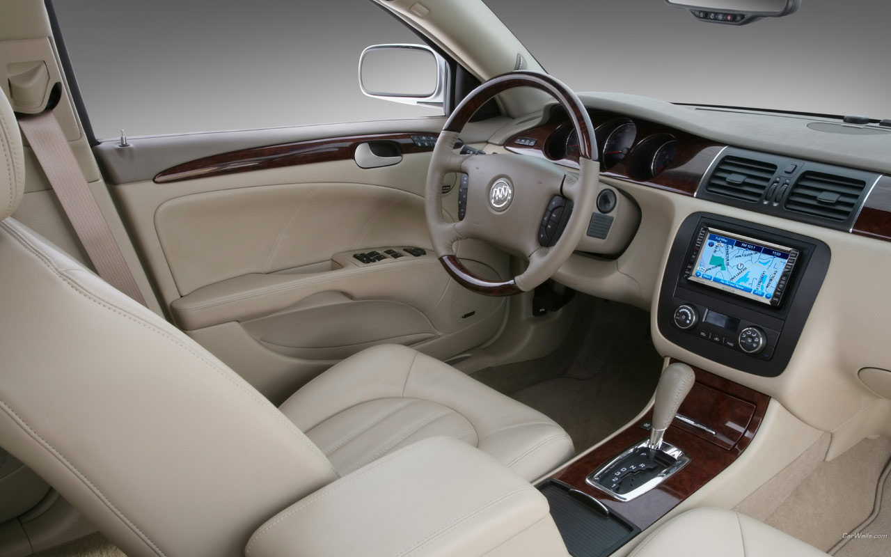 Buick Lucerne photo 04