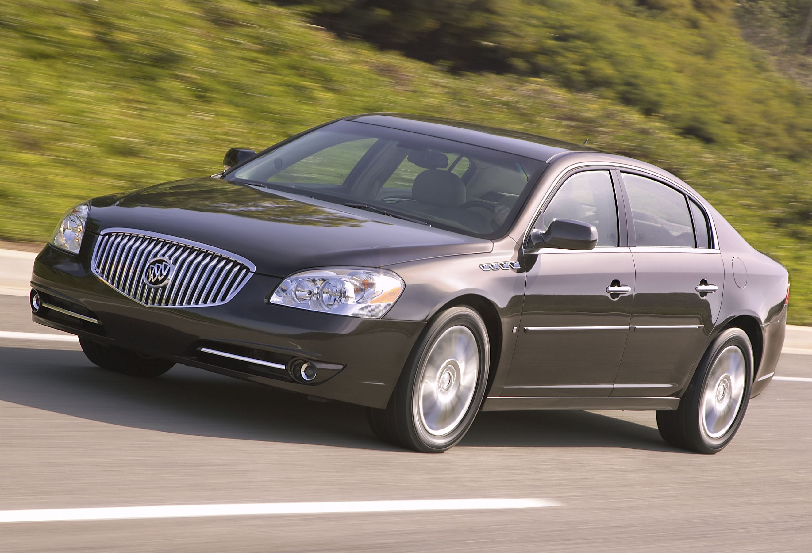 Buick Lucerne photo 16