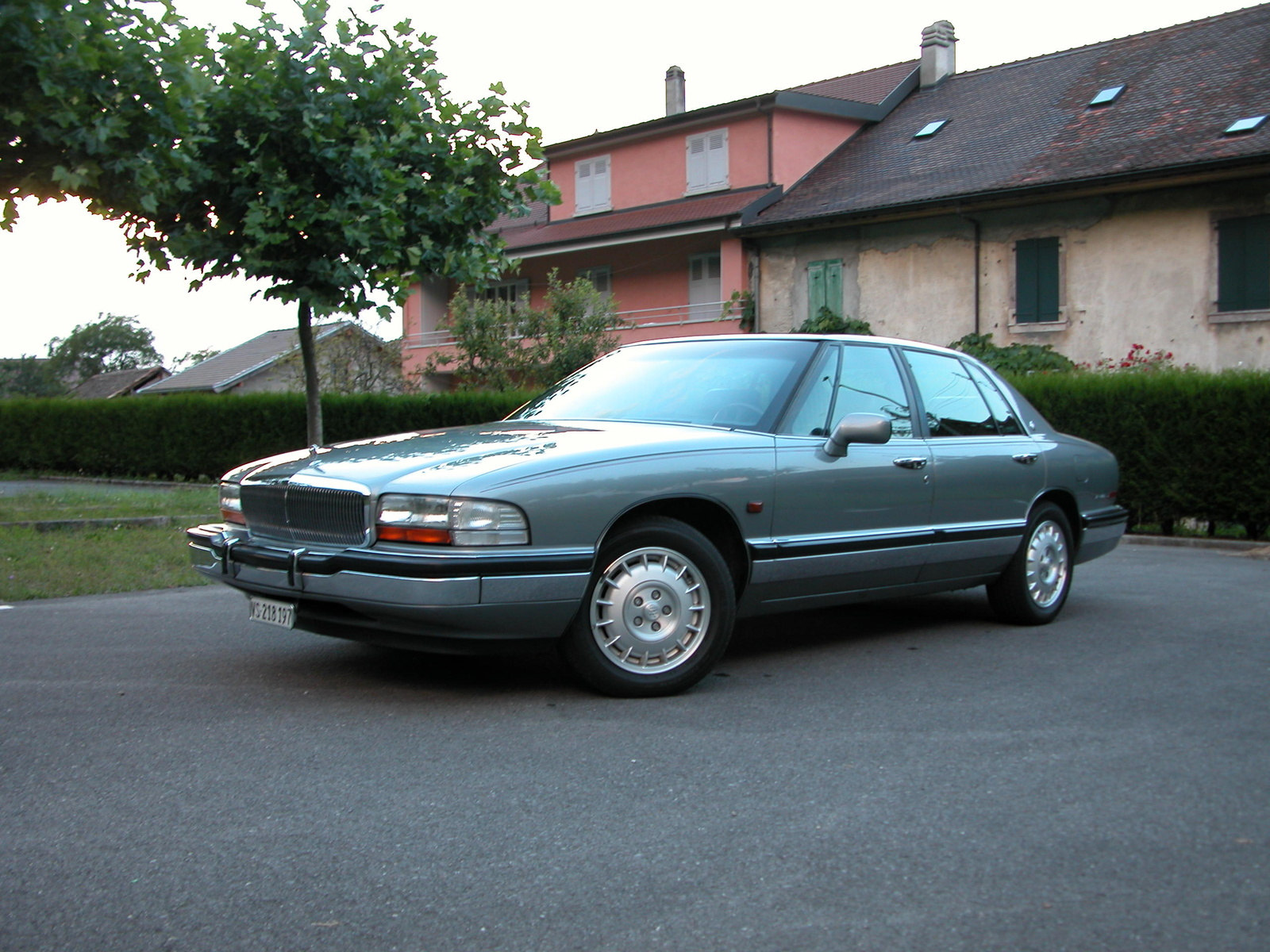 Buick Park Avenue photo 05