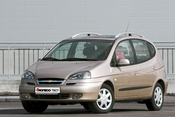Chevrolet Rezzo photo 11