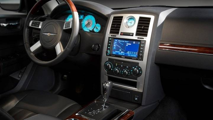 Chrysler 300C 30 CRD technical details history photos on Better