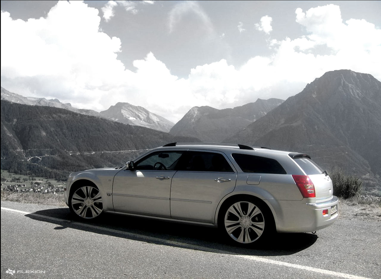 Chrysler 300c touring photos photogallery with 18 pics carsbase com