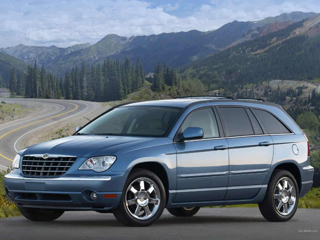 Chrysler Pacifica photo 02
