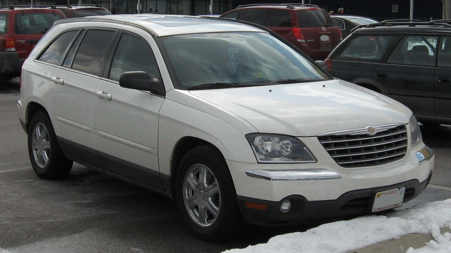 Chrysler Pacifica photo 09