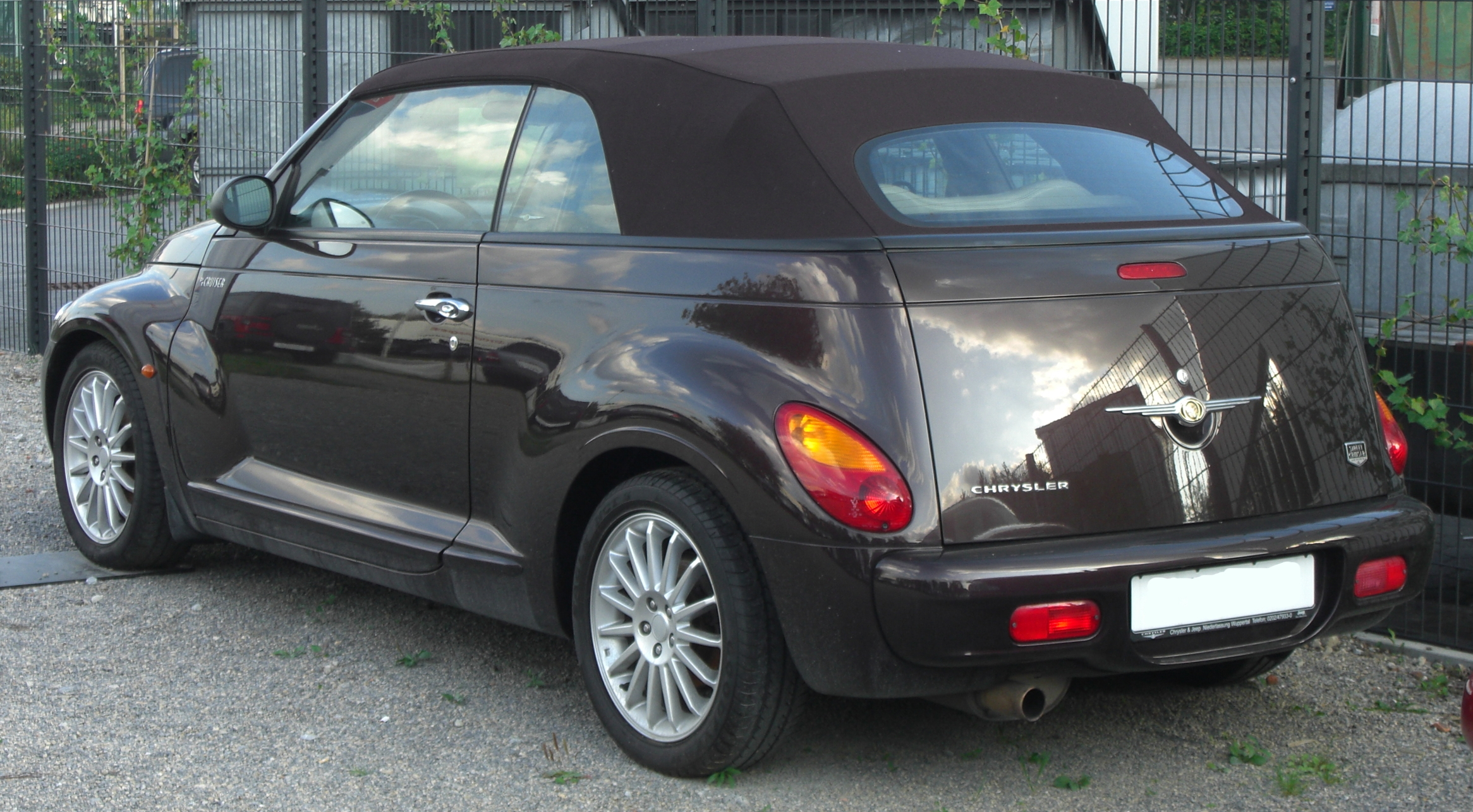 chrysler pt cruiser cabrio technical details history. Black Bedroom Furniture Sets. Home Design Ideas