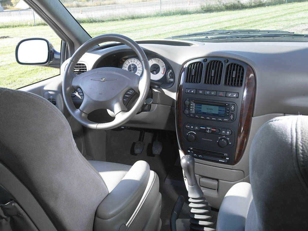 Chrysler Voyager photo 10