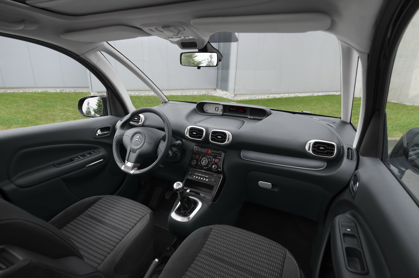 Citroen c3 picasso technical details history photos on for C4 picasso 2013 interieur