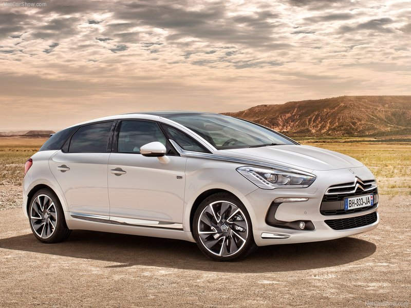 Citroen DS5 Hybrid4 photo 01