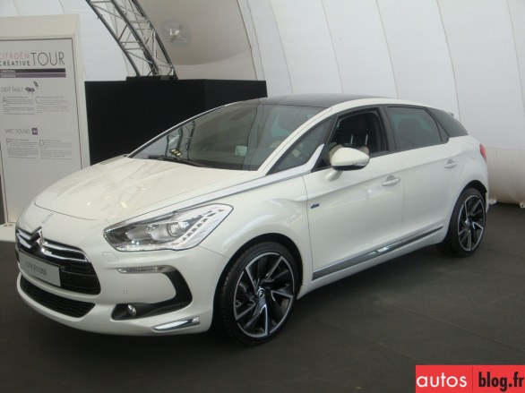 Citroen DS5 Hybrid4 photo 04