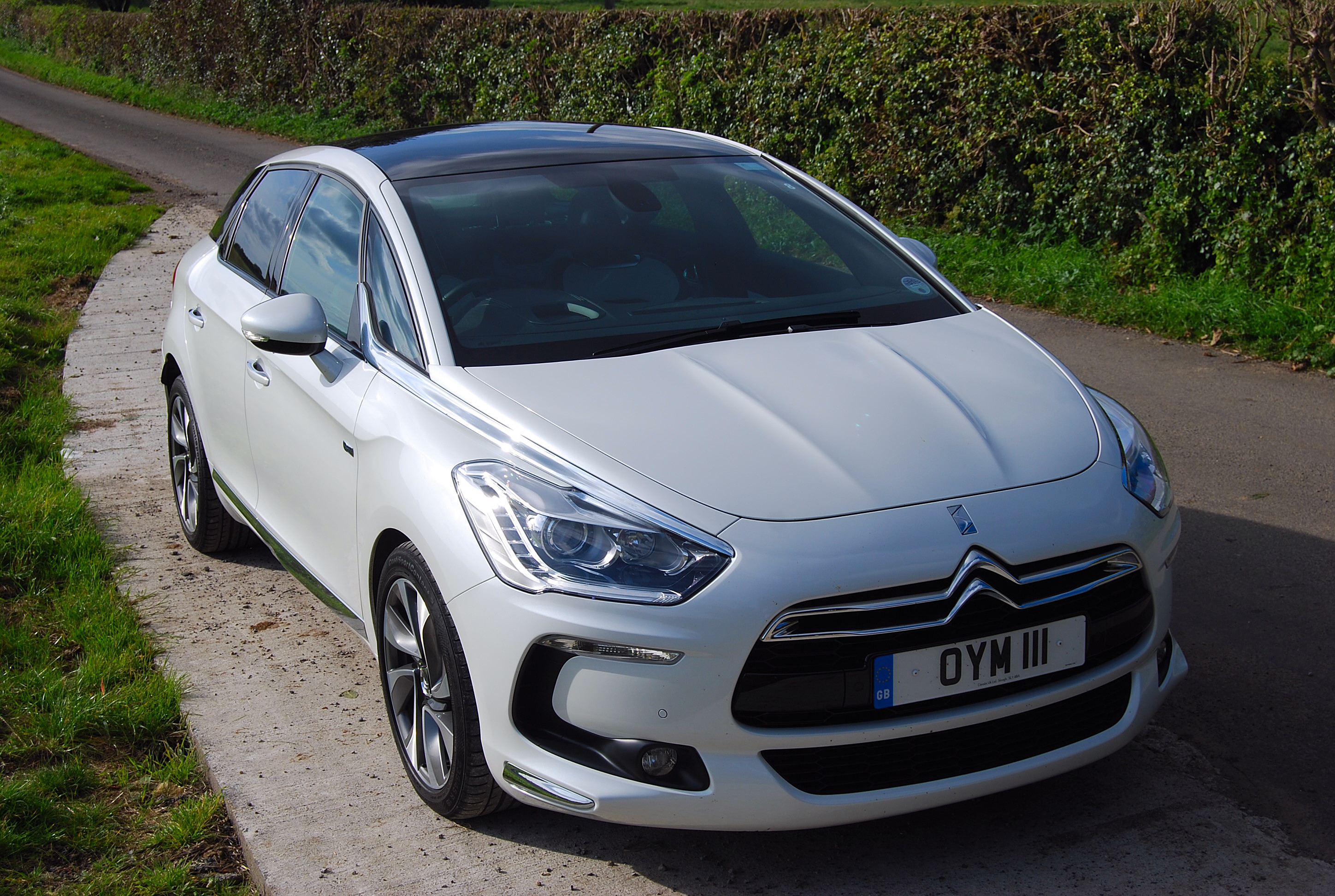 Citroen DS5 Hybrid4 photo 07
