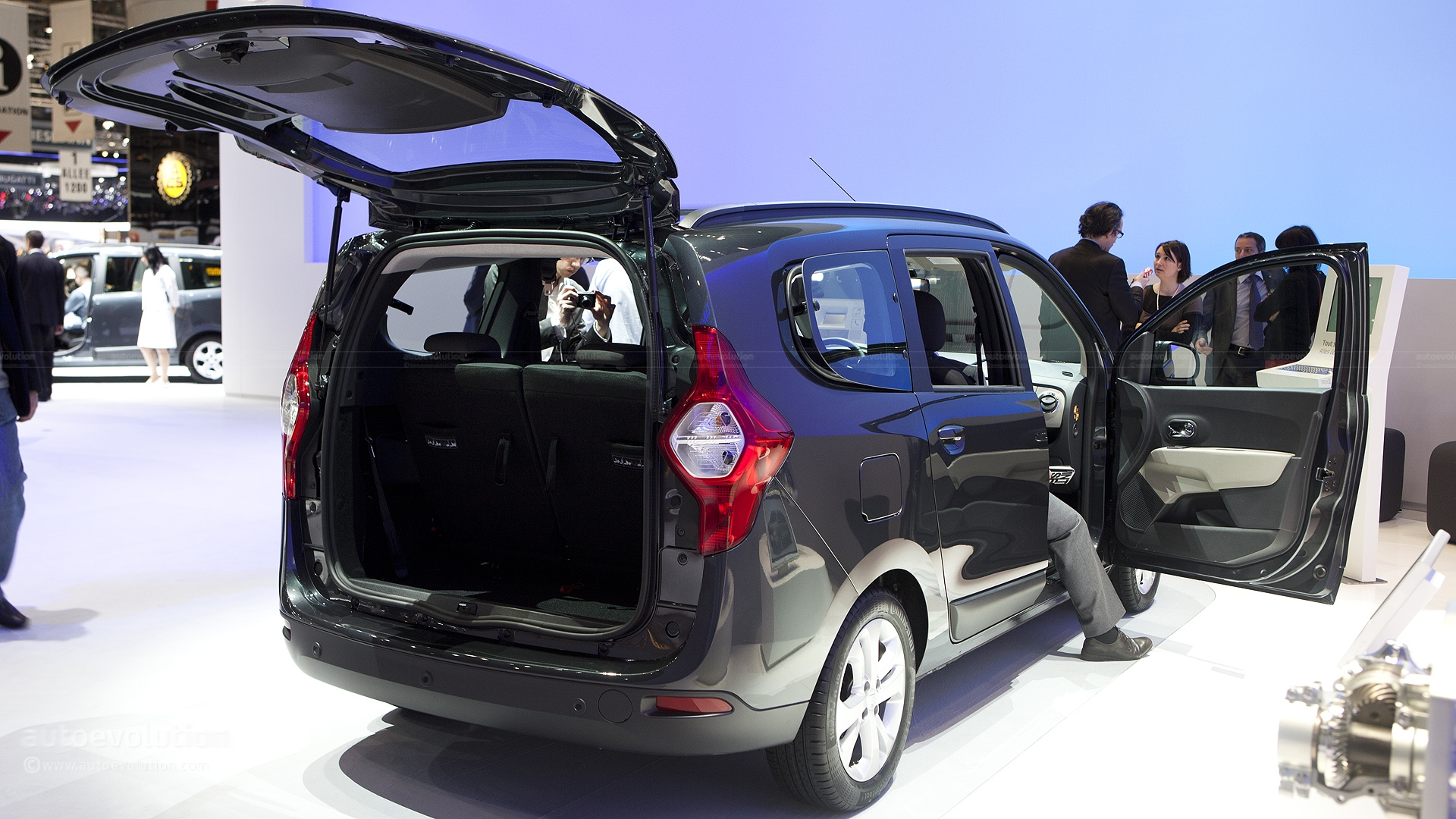 Most Expensive Car Seat >> Dacia Lodgy image #2
