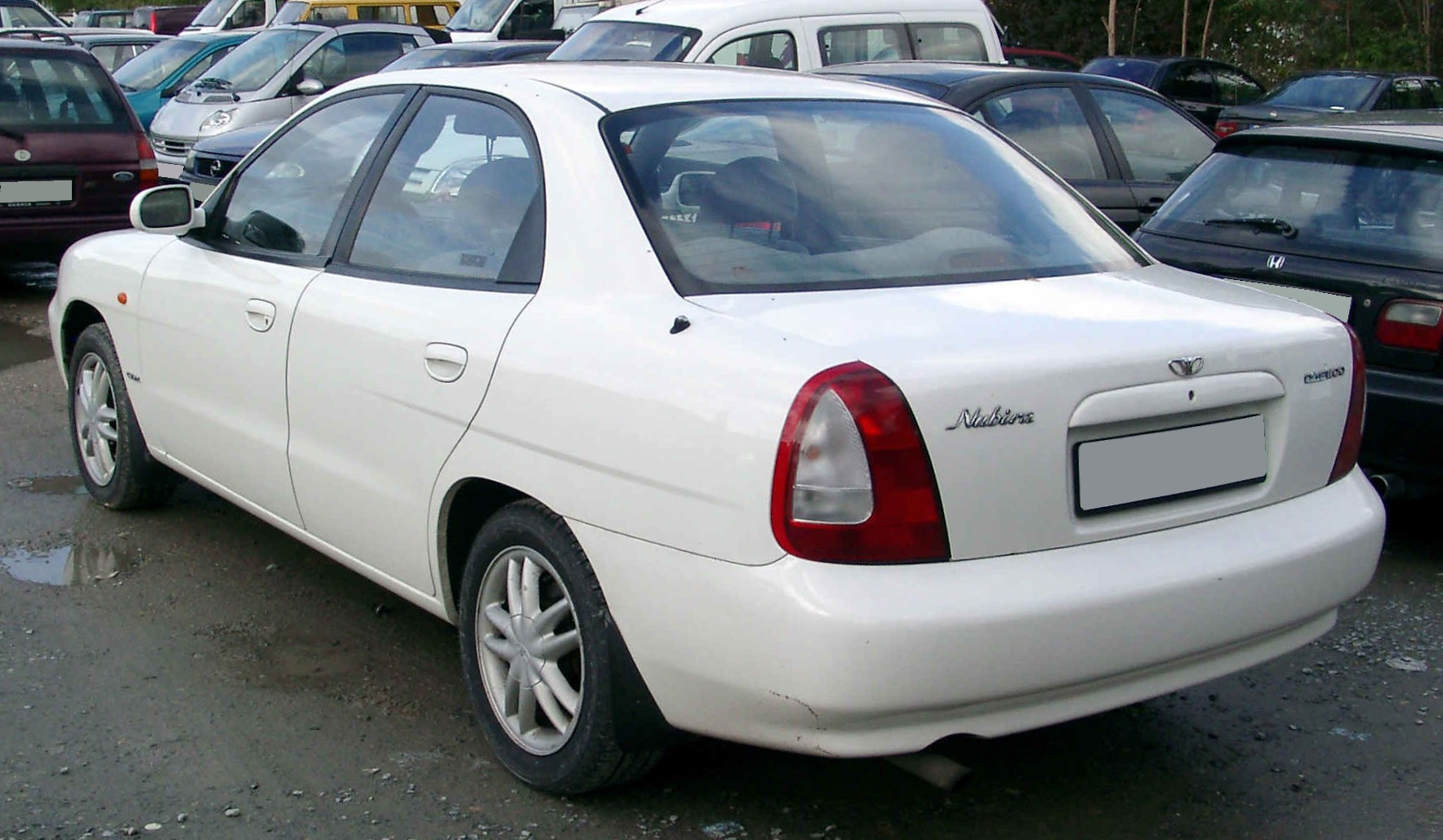 Daewoo Nubira photo 01