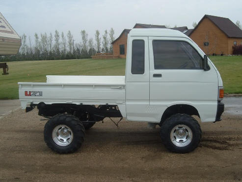 Lifted Suzuki Carry