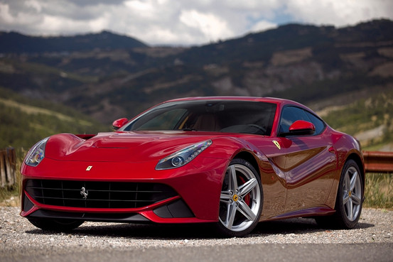 Ferrari F12 Berlinetta photo 06