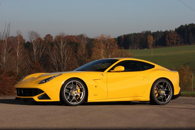 Ferrari F12 Berlinetta photo 09