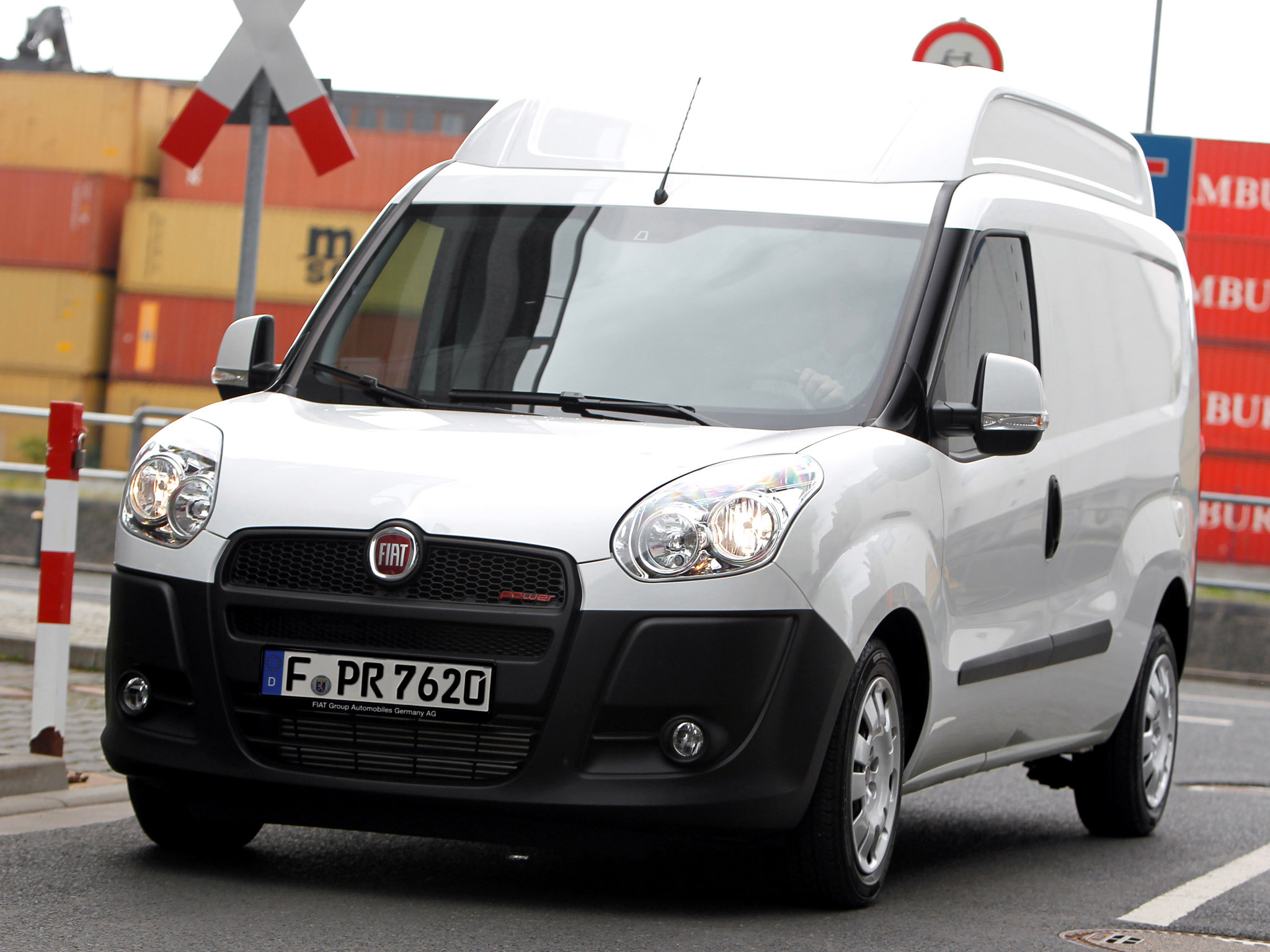 fiat doblo cargo maxi xl photos 5 on better parts ltd. Black Bedroom Furniture Sets. Home Design Ideas