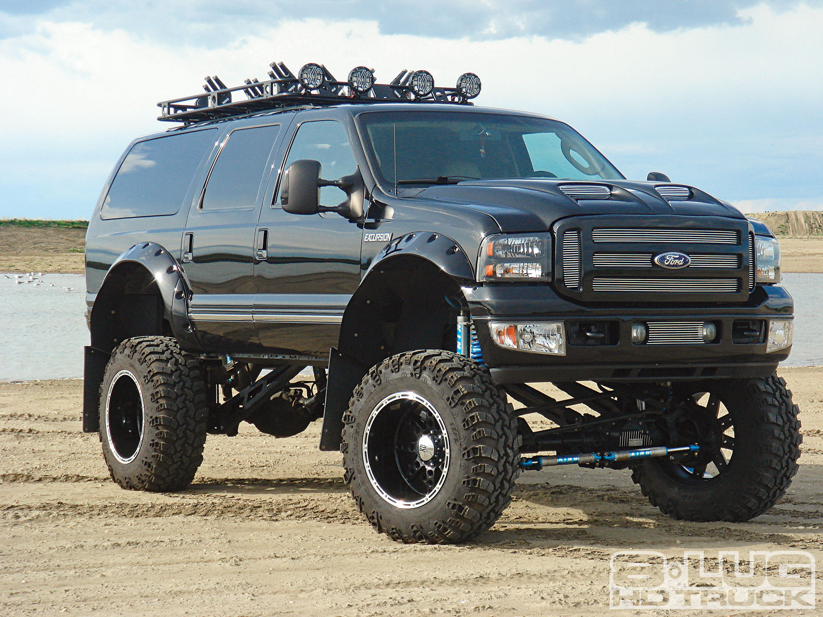 Ford Excursion photo 03